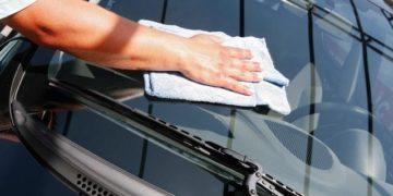Очистить стекла на авто