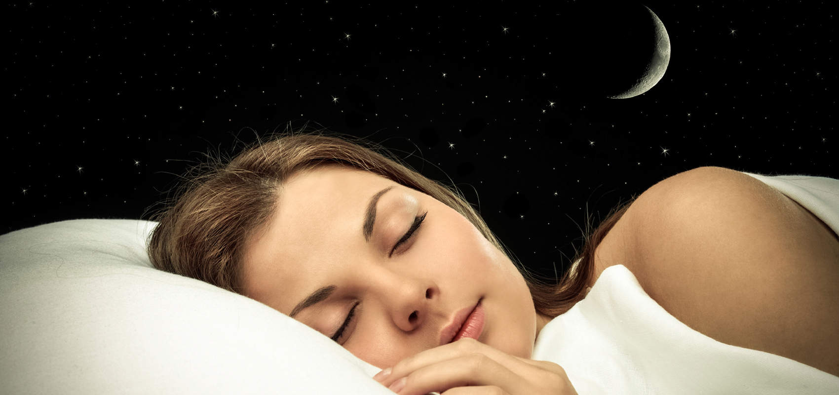 Девушка спит крепким сном