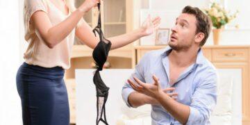 Как узнать что парень тебе изменяет?