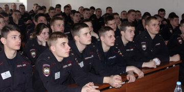 Как поступить в школу полиции?