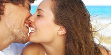 Как не совершить ошибок при первом поцелуе?