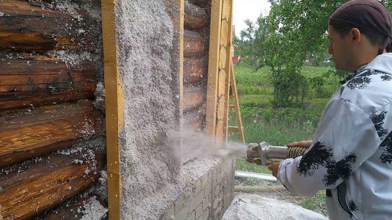 Как и чем утеплить деревянный дом снаружи?