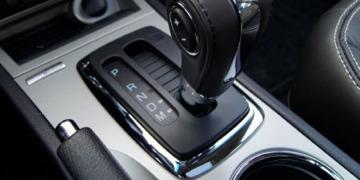 Как водить машину на автомате?