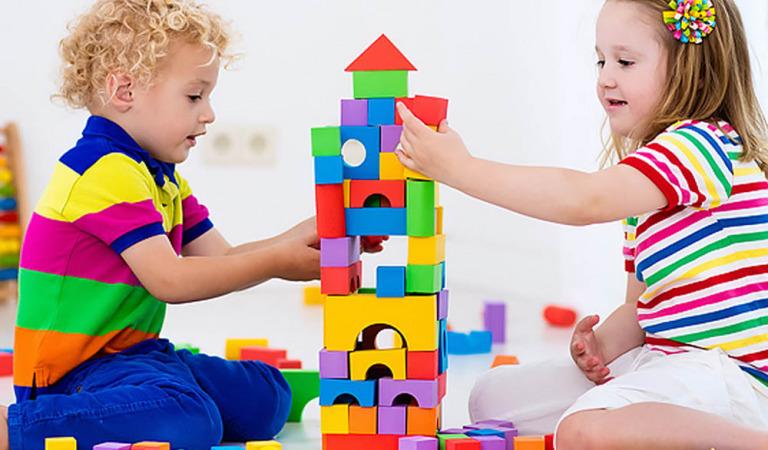 Почему детям в дошкольном возрасте так важно играть?