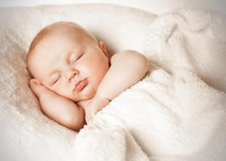 Как приучить ребенка спать без подгузника?