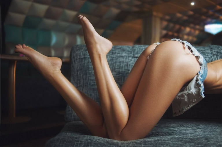 Как уменьшить мышцы икр на ногах?